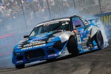 GT-Rが空を飛ぶ!2年ぶりの「D1大阪 夏の陣」開催