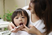 親子で乳歯ケア♪子どもが「気持ちいいと感じる歯ミガキ」のポイント3つ