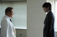 「BORDER2」に國村隼らが参戦!『小栗くんとのお芝居はとても面白い』