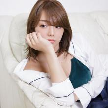 篠崎愛3rdシングル発売決定、可愛さとフェロモンたっぷりのビジュアル公開
