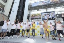 タカトシ、安村ら人気芸人が集合 北海道イベント 昨年を上回る6万人来場