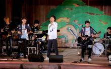 ゆず、ファンクラブ限定ライブで桐谷健太と初共演