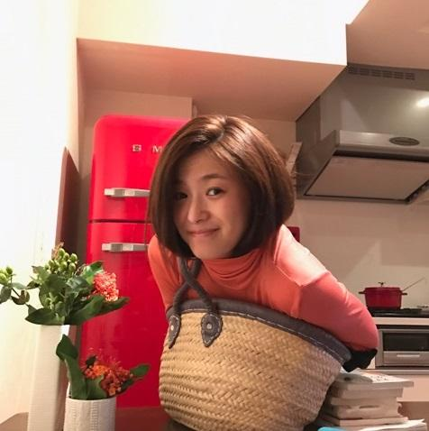 須藤温子が髪をばっさりカット 小学生以来のショートカットに