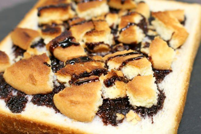 食パンにのせてトーストするとおいしいもの5選!プリンやヨーグルト、クッキーなど【超簡単レシピ】