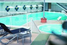 夏はまだまだこれから!ホテルニューオータニの「ガーデンプール」で夏の贅沢バカンス
