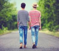 ゲイを両親にカミングアウトしたら…LGBT男性の悲痛な体験