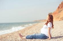 妊娠7ヶ月の体験談「家族で名前を考えようと…」「元に戻るのかと心配」お腹も急成長!