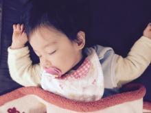 【育脳音楽】聴かせるだけで夜泣きがおさまる?  赤ちゃんの寝付きがグンとよくなる「音楽」の秘密