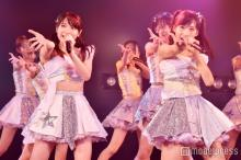 "<span class=""hlword1"">AKB48</span>「次世代の前田敦子と大島優子」がWセンター 平均年齢16歳最注目の若手選抜公演開幕<「世界は夢に満ちている」公演レポ・セットリスト>"