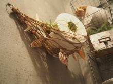 アイデア満載!女子DIYクリエイターリレー 麻ひものハンモックでトイレを夏らしく演出! 「トイレットペーパーハンモック」by chiakiさん
