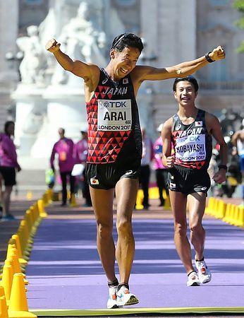 荒井が銀、小林は銅=日本のメダルは計3個-世界陸上・男子50キロ競歩