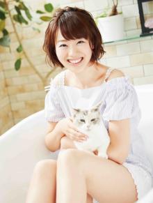 カンテレ初女子アナカレンダー 猫との癒やし写真収録