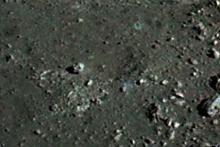 【ムー宇宙人情報】これは…人間の頭部? 宇宙飛行士が月面で見た「ありえない物体」