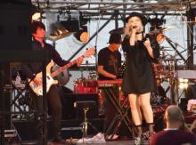4年ぶり再始動ブリグリがライブ出演 川瀬智子「暗い曲ばっかりで申し訳ない」