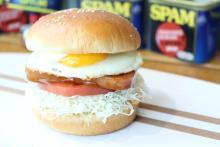 おいしいのに人気最下位…フレッシュネスから「スパムバーガー」が消えちゃうかも?
