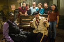 『NCIS:ニューオーリンズ』に出演する地元出身アーティストとキャストの記念写真を特別公開!