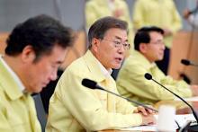 政策討議を主宰する韓国大統領