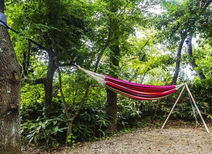 キャンプサイトを魅力的にする、ハンモックの選び方